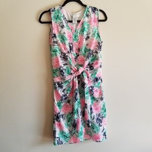 ESLEY NWT Sleeveless VNeck Floral Front Tie